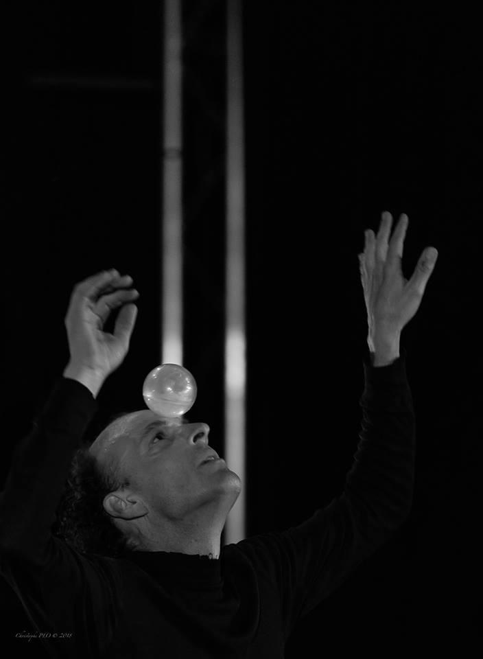 Une conférence jonglée